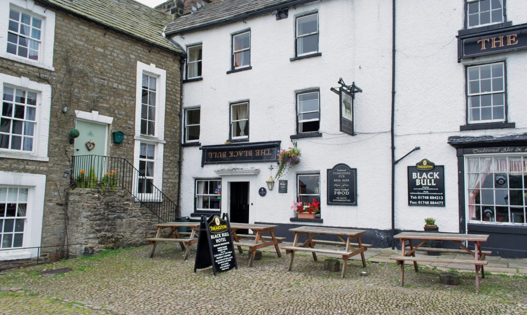 25 Great Walkers' Pubs in the Yorkshire Dales 4