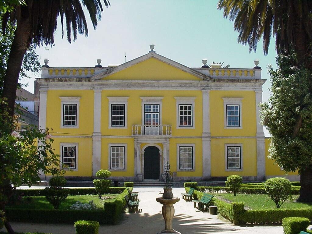 The Beauty of Her Age 3 Marinha Grande house